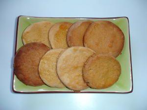 Petits biscuits caramélisés au miel et à la chartreuse