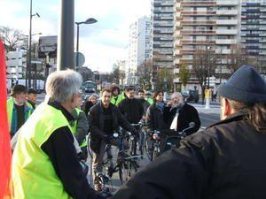 """T3 : Les cyclistes parisiens dénoncent """"les calamiteux aménagements cyclables"""""""