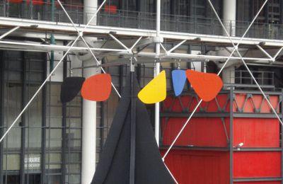 Alexander Calder, Théia et la notion de contagion dans l'art