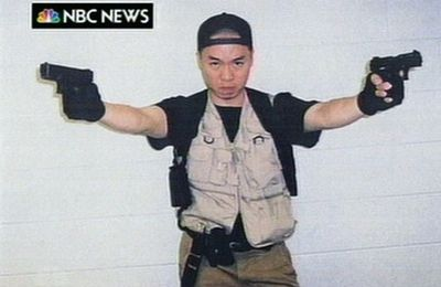 Cho Seung Hui ==> 32 personnes tuées