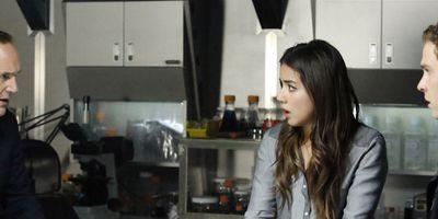 """Audiences Mardi 8/04 : gros flop pour """"Agents of SHIELD"""", une saison 2 est-elle possible ?"""