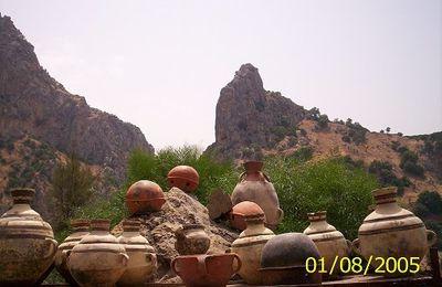 Marchand de poterie ancienne au hammam