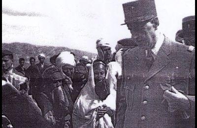 De Gaulle et Le colonel Trinquier à EL MILIA