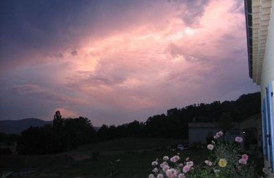 Quelques photos de chez moi.. ciel orageux !!!!!