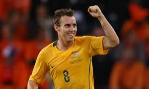 Chipperfield heads Australia to vital three points