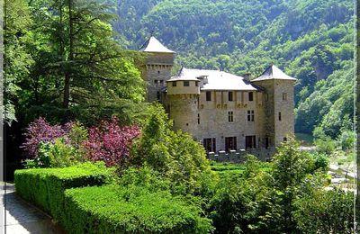 Château de LA CAZE - Saint Chély du Tarn
