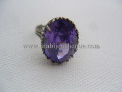 Bague zirconium purple
