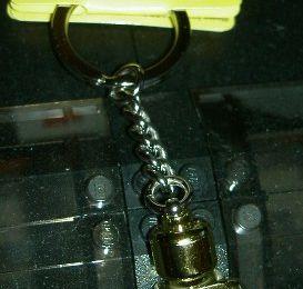 852688 - Porte-clés minifig doré
