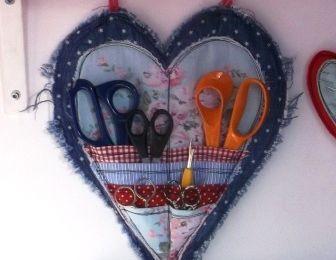 """tuto couture """"un porte ciseaux en forme de coeur"""""""