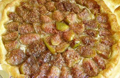 Tarte aux figues, au miel et à la crème