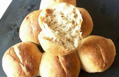 Petits pains de seigle et carvi