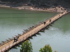 Pont de bateaux