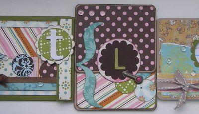 Trois cartes.....