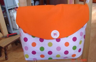 un sac orange et pois....