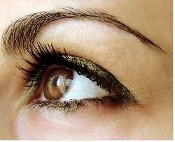 Poches sous les yeux, comment faire pour s'en débarrasser ? Etape 1