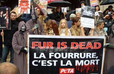 Marche contre la fourrure à Paris