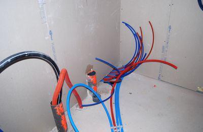 La plomberie - Mise en place de la tuyauterie encastrée