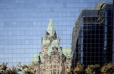 Ottawa mirror ..