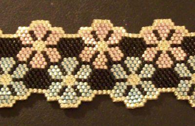 bracelet fleurs, perles miyuki delicat