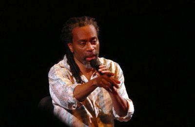 Bobby et ses amis : Michel Portal, danseurs et chanteuse improvisant...