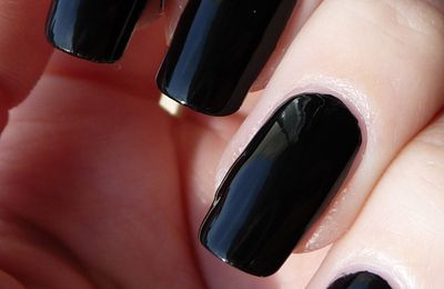 Sinful - Black on Black et effet velour