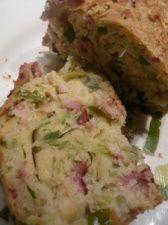 Cake aux fanes d'oignon