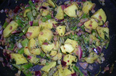 Hot potatoes and asparagus salad