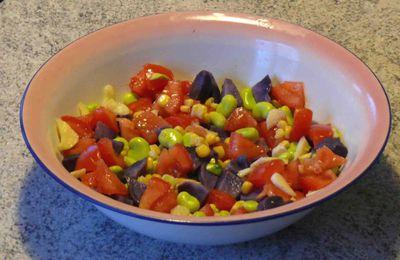 Salade multicolore aux vitelotes