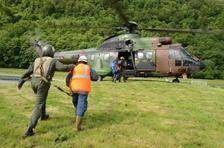 Le 5ieme régiment d'hélicoptères de combat sur le front des inondations