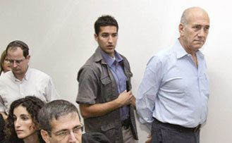 Olmert devant les juges