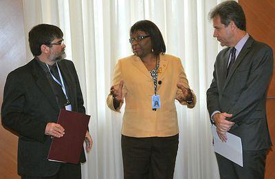 BRASIL Y VENEZUELA FIRMAN ACUERDO PARA FORTALECER ACCIONES PARA ELIMINAR LA ONCOCERCOSIS EN EL ÁREA DE YANOMAMI 2014