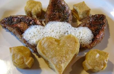Filets de rougets panés à la coriandre, panisses et écume de citron confit