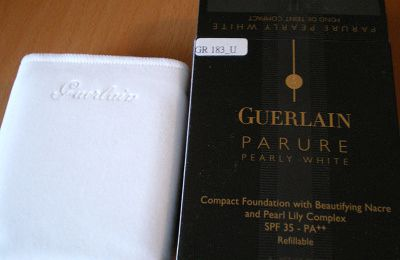 Review: Guerlain Pearly White Fond de teint compact n°11