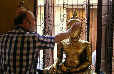 6. Cinco toneladas de oro puro para un Buda