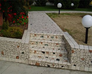 scale in mosaico