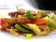 Lomo de cerdo con vegetales