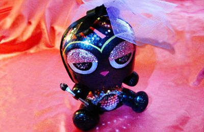 "Close up sur le custom d'Artoyz: Toyer Q ""cosmic lover dokuro"" by Aizen"