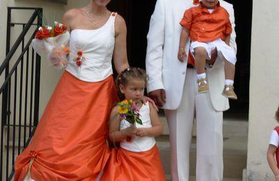 Robe de mariée et demoiselle d'honneur