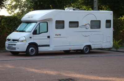 Camping car pilote explorateur a vendre 3 place carte gise