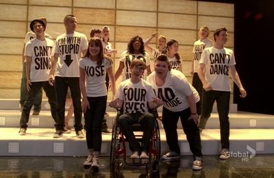 """Born This Way"" (Glee - 2.18)"