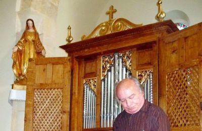 Mgr Mouïsse encourage l'instrument-roi de la liturgie