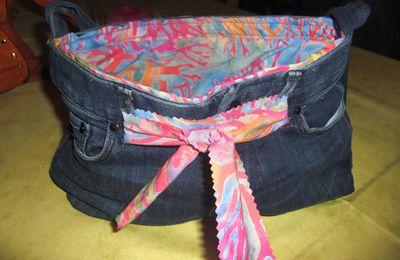 Sac à main dans un jean recyclé