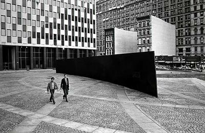 Richard Serra : Tilted Arc (1981)