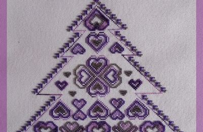 MD055 Coeur de Sapin - Le Petit Point Compté