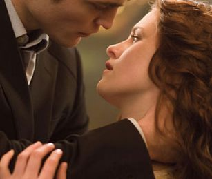 New / Old pic of Bella & Edward in Twilight !