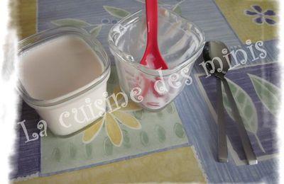 Yaourt aromatisé à la fraise