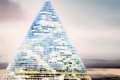 Des tractopelles sur le chantier de la Tour Triangle à Paris