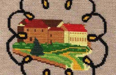 Vaux-sur-Poligny : Laostic et bannières brodées