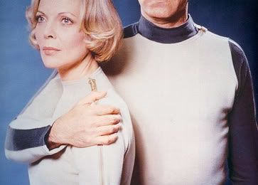 "Cosmos 1999 : épisode pilote (""A la dérive"")"