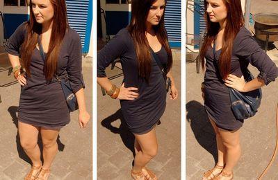 Outfit: blau, braun, gold